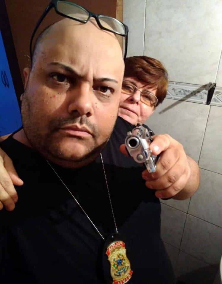 Adriano e a mulher, Maria das Graças em foto divulgada pela Polícia Civil.